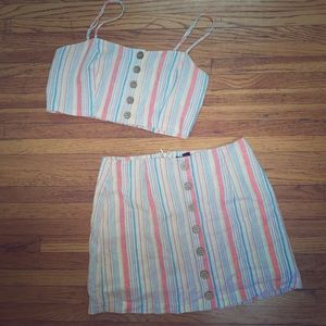 Two piece set, crop top and skirt!